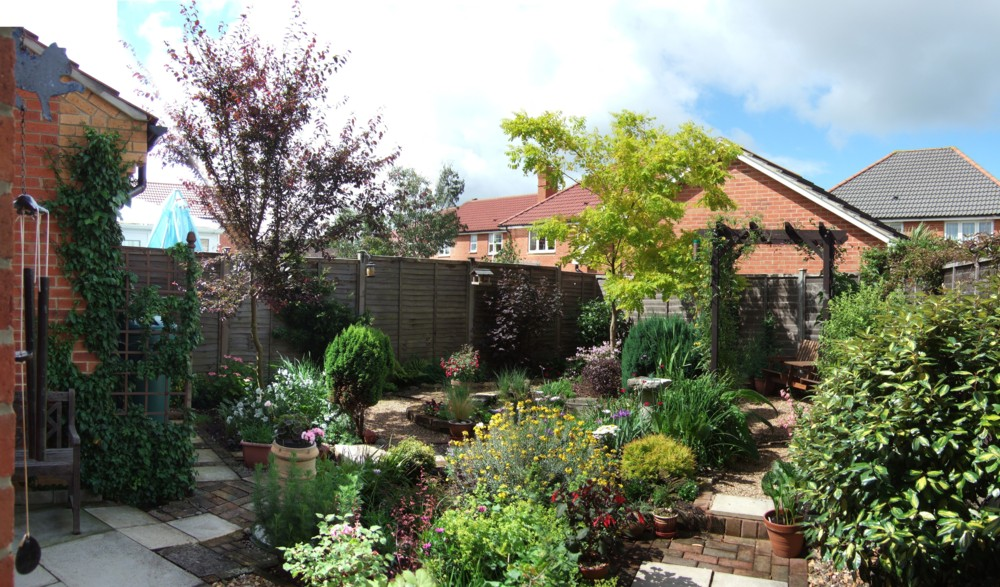 My Garden Greenfingers Homes For Wildlife The Rspb Community