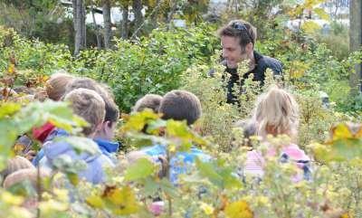 Nick Baker at Salen Primary School - Photo Debby Thorne