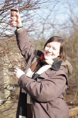 Meg Hillier MP ensuring constituency birds are fed